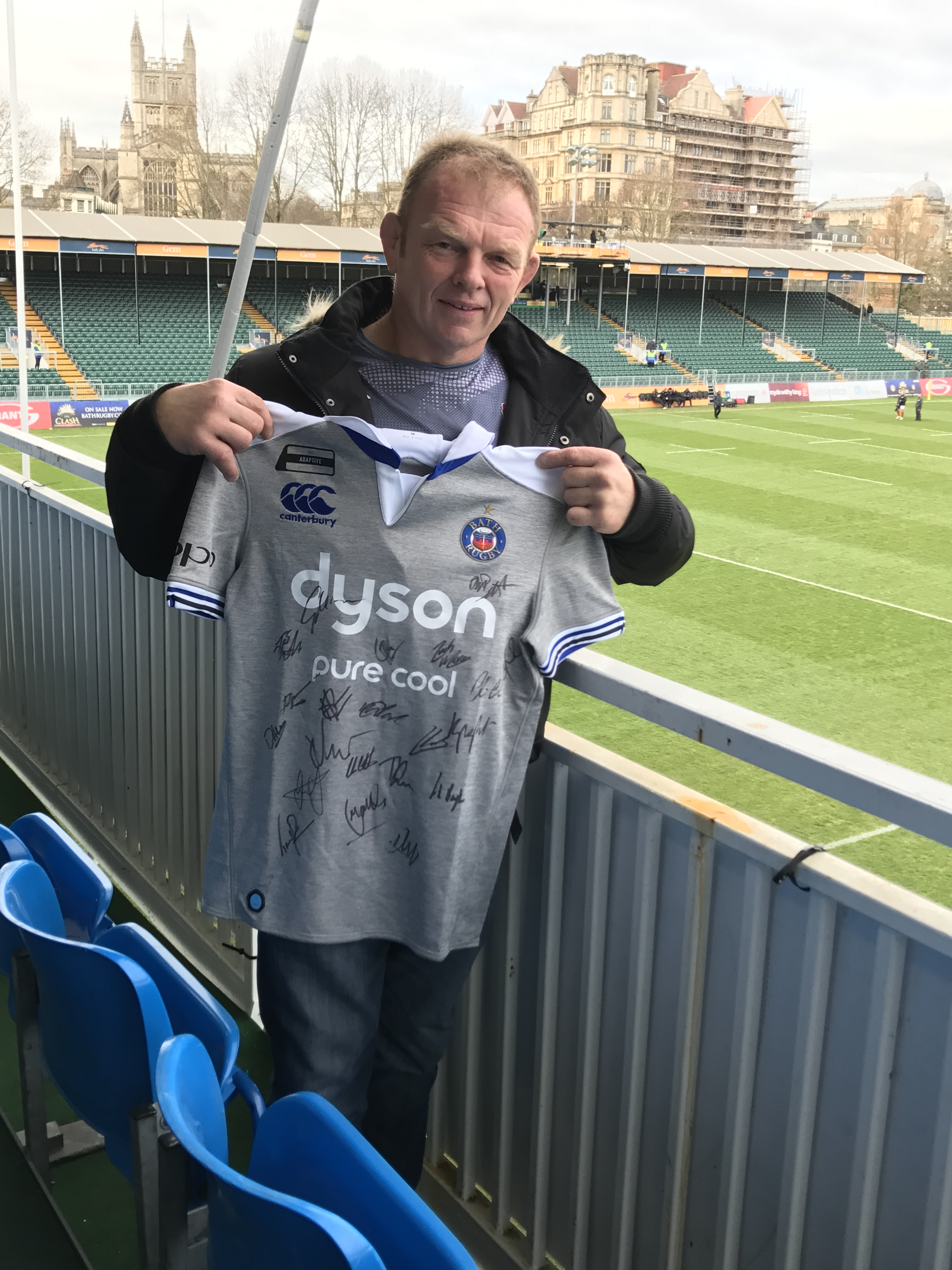 Competition winner joins Grant UK to cheer on Bath Rugby!