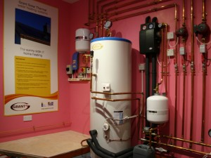 Installer promotes advantages of renewable heating