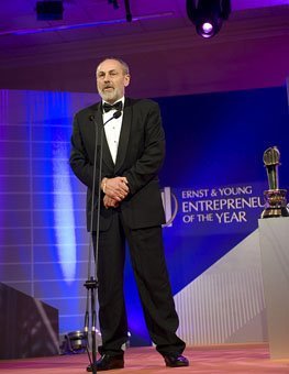 Stephen Grant wins the 2008 Ernst & Young Entrepreneur of the Year Award in the industry category.