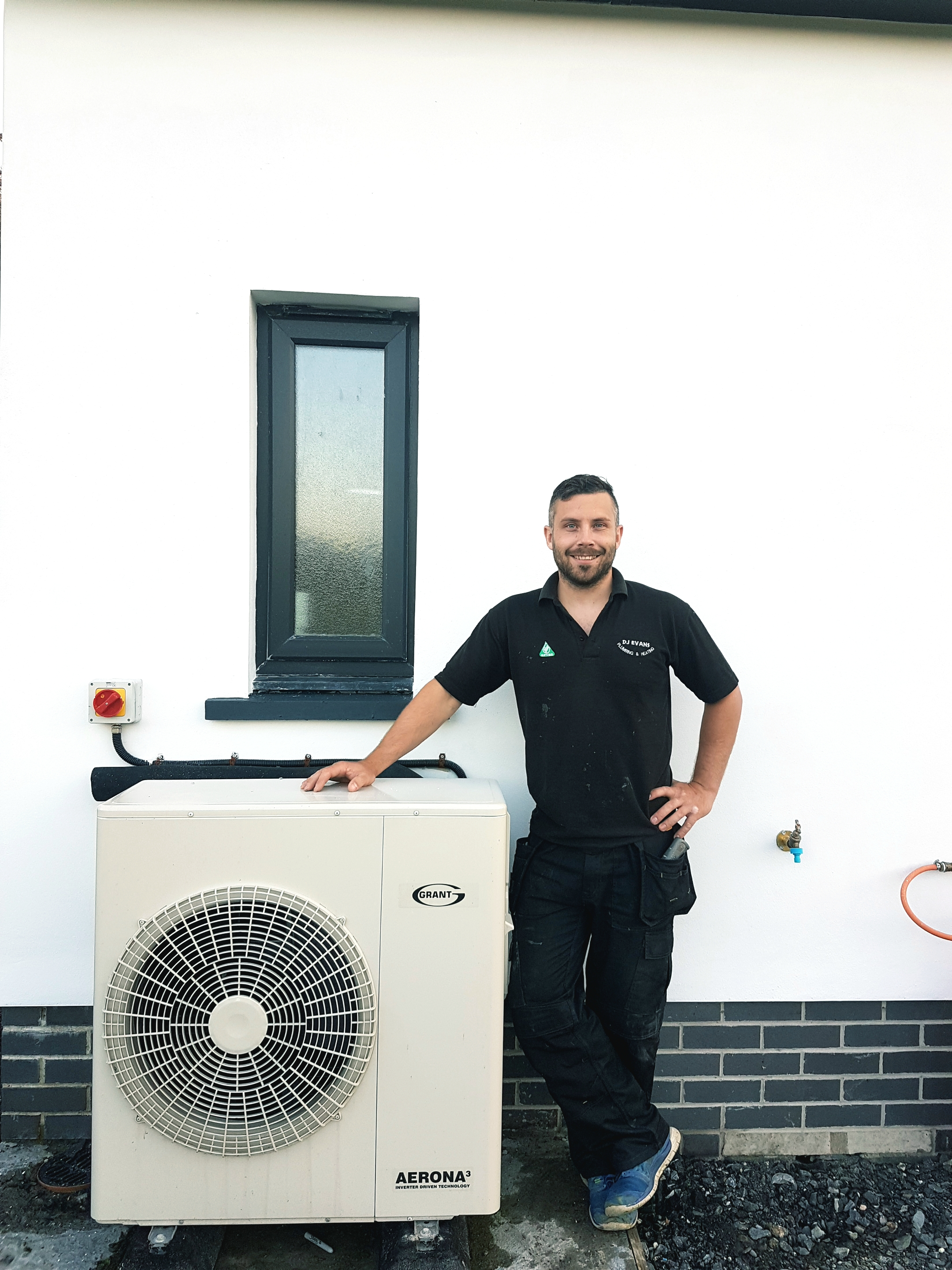 Grant renewable technologies keep new home warm in Cardigan